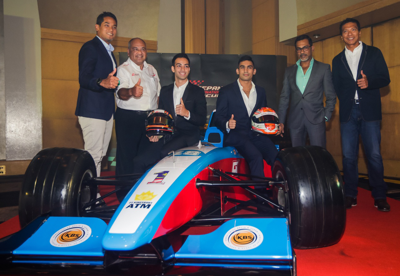 Nabil, Akash announced as Malaysian drivers in GP2, GP3 with the presence of the Minister of Youth and Sports Malaysia KhairyJamaluddin and andDato' Razlan Razali, Chief Executive Officer of SIC