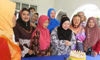 """60 mantan Utusan Melayu """"memupuk kasih"""" di Pondok Kenangan"""
