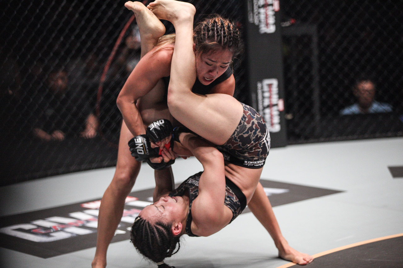 ONE Women's Atomweight World Championship bout: Angela Lee defeats Mei Yamaguchi by Unanimous Decision