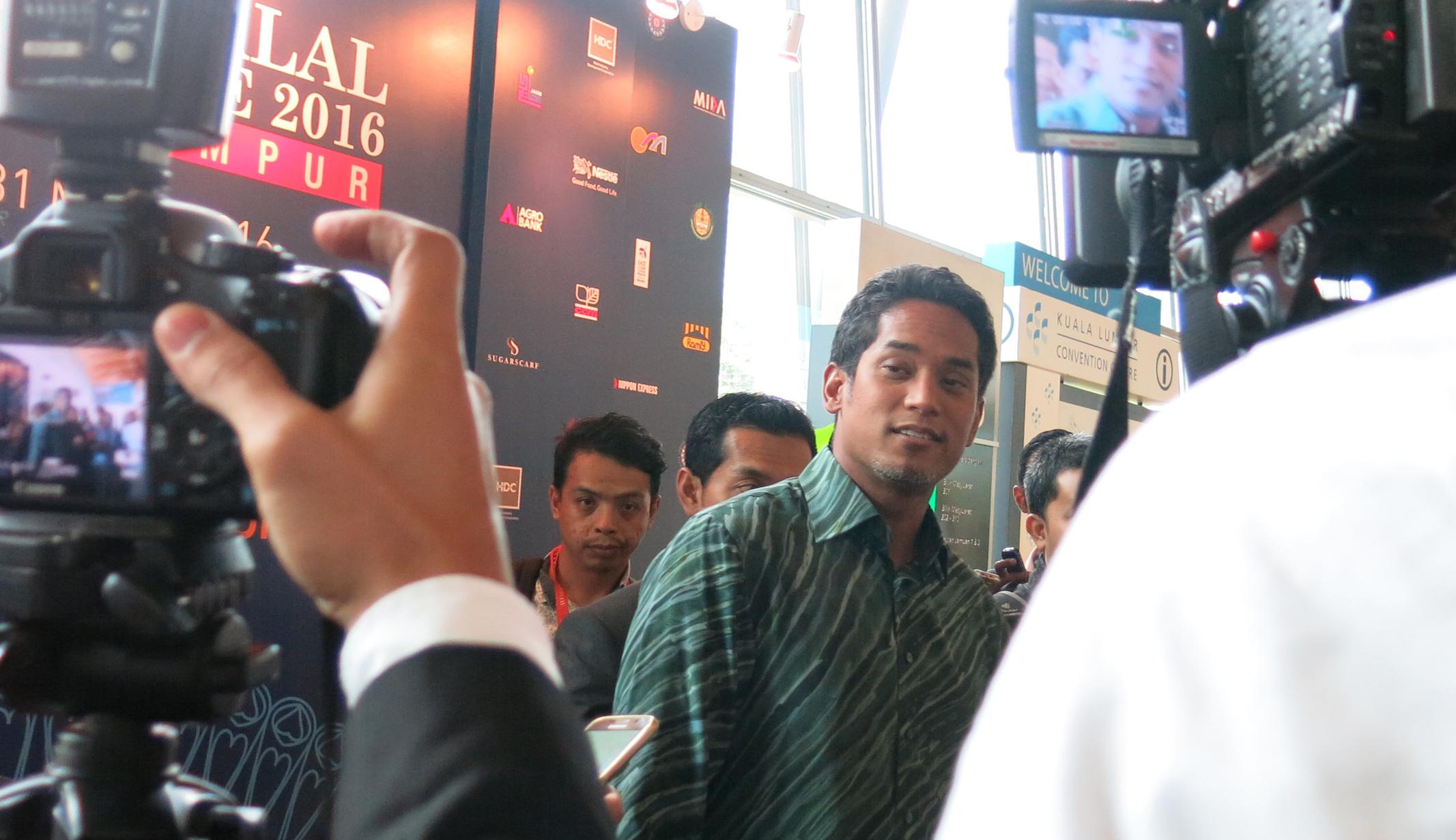 Khairy Jamaluddin - File pic
