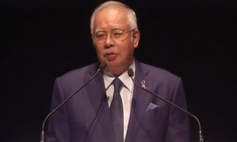 Najib urges the media to support him fight fake news