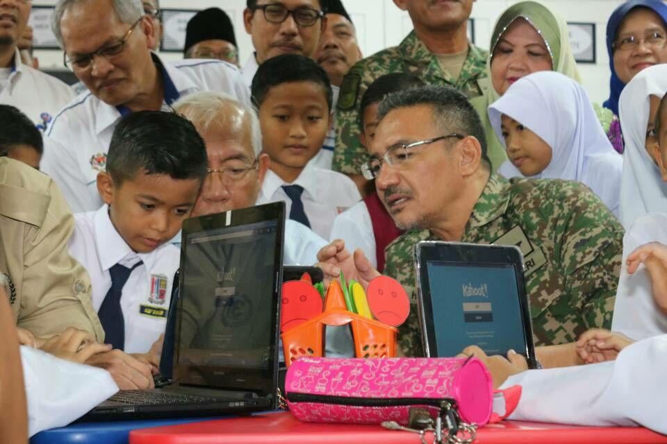 Hishammuddin launched mindef education blueprint 2018 2022 hishammuddin launched mindef education blueprint 2018 2022 malaysia world news malvernweather Image collections