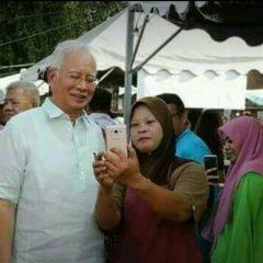 Najib enjoys his Ramadan and  holiday at hometown